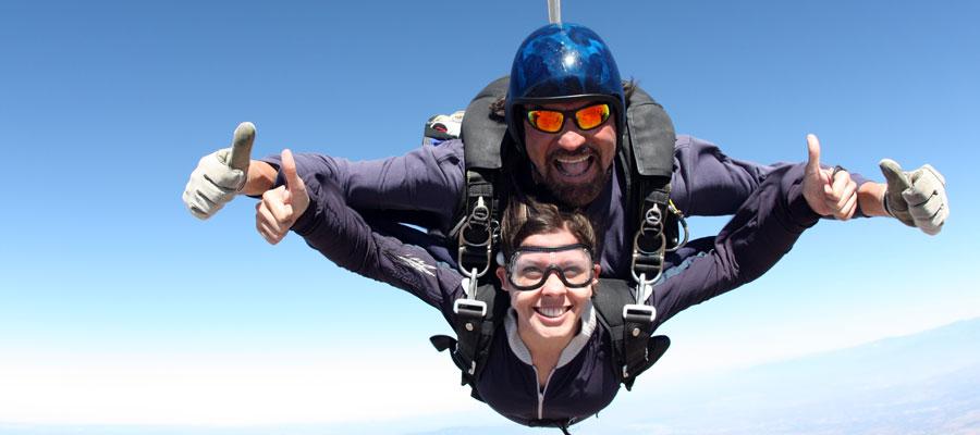 نتيجة بحث الصور عن skydiving instructor