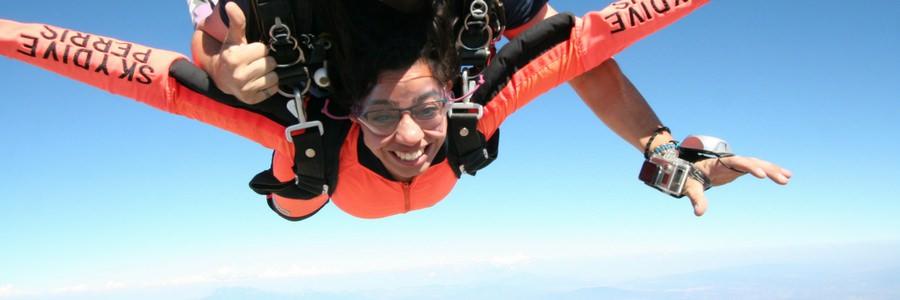 women tandem skydiving near los angeles