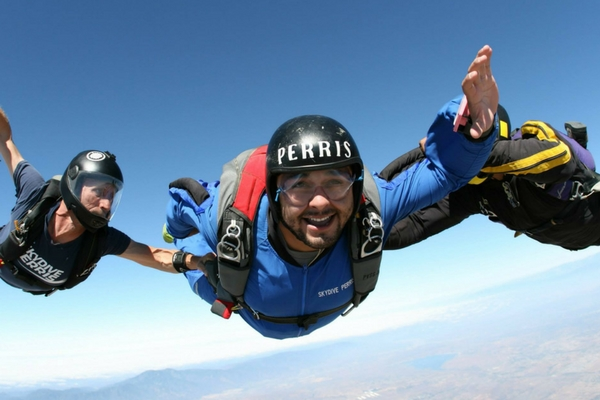 becoming a certified skydiver