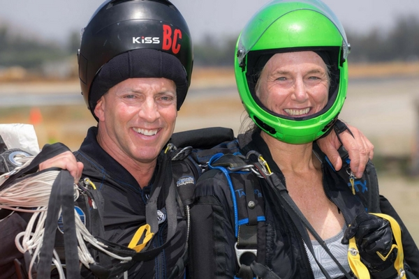 Dan BC with another skydiver