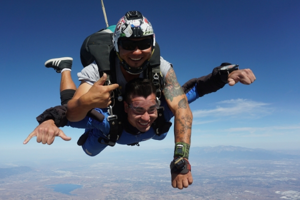 first time tandem skydiving student in freefall