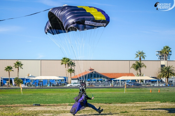 experienced jumper landing under canopy with control at Skydive Perris